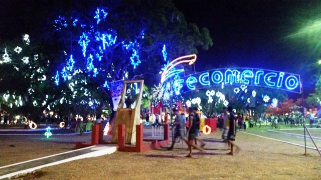 600 estrelas e outros objetos iluminam a Barão do Rio Branco