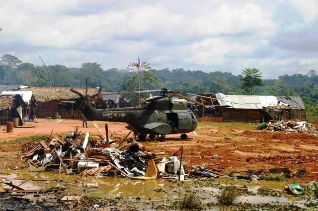 Operação em garimpos com a participação de militares brasileiros. Fotos: Humberto Baía