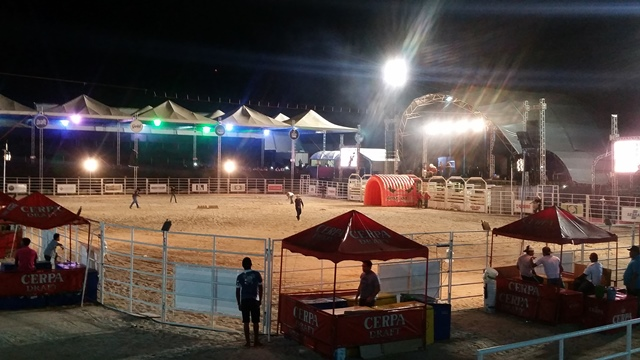 Arena montada pela RL antes do início do rodeio