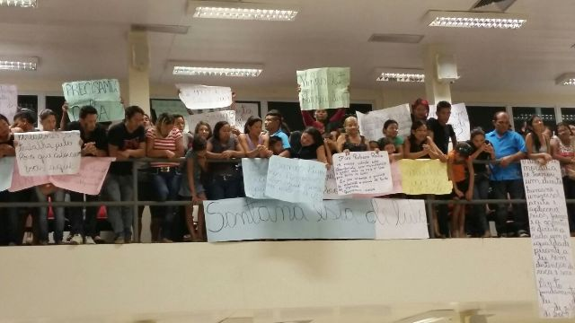 Manifestantes, segundo Zé Roberto, eram servidores comissionados