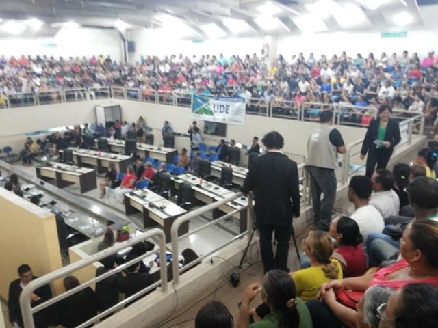 Cerca de 400 servidores da UDE participaram da audiência. O plenário da Alap ficou lotado. Fotos: André Silva e Cássia Lima