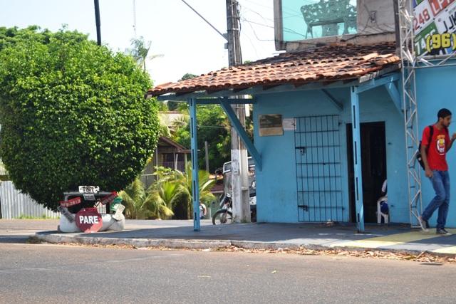 A alfaiataria continua no mesmo lugar há muitos anos. Fotos: André Silva e álbum pessoal de Vadoca