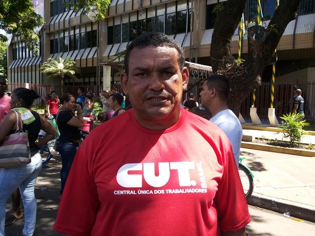 José Cabral, do Sindicato dos Vigilantes: cinco meses de salários atrasados. Fotos: Cássia Lima