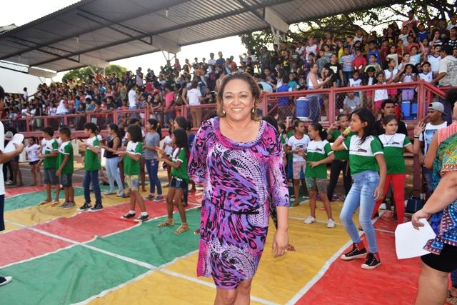 Secretária Dalva Figueiredo: