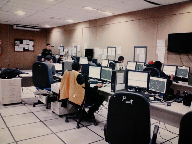 O serviço deve normalizar  até o fim da tarde. Fotos: Cássia Lima