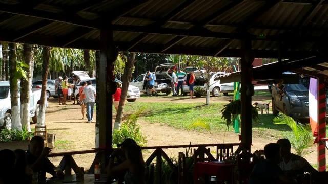Turistas e visitantes da própria cidade chegando para passar o dia na chácara. Fotos: Humberto Baía