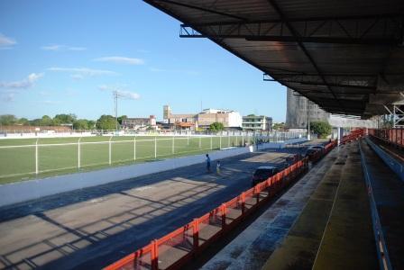 Estádio passa por obras que já foram reiniciadas e paralisadas várias vezes