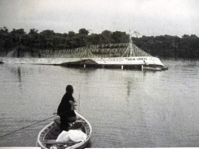 O barco afundou em menos de 15 minutos. Na escuridão, muitos nadaram para longe da margem. Foto: Memorial