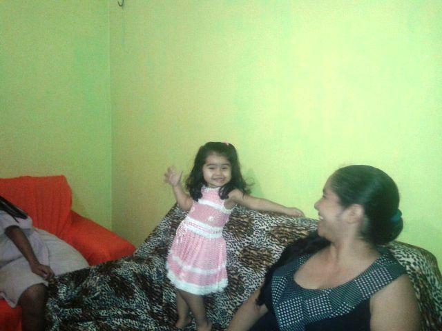 Émile com a mãe, ainda sem os sintomas: alegria em família. Foto: Arquivo pessoal