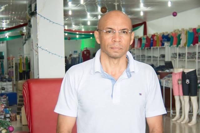 Presidente da Câmara de Comércio, Isaac Silva: sem dinheiro e telefone para efetuar as vendas
