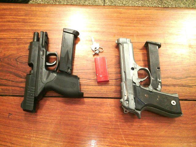 Pistola e simulacro