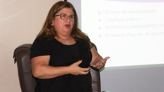 Promotora Lindalva Jardina foi uma das palestrantes. Fotos: Ascom/MP