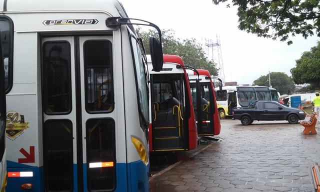 Oito ônibus novos foram apresentados