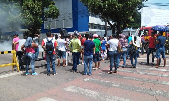 Já são dois dias de protestos dos terceirizados