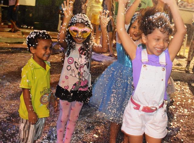 As crianças têm espaço especial na Batalha de Confetes