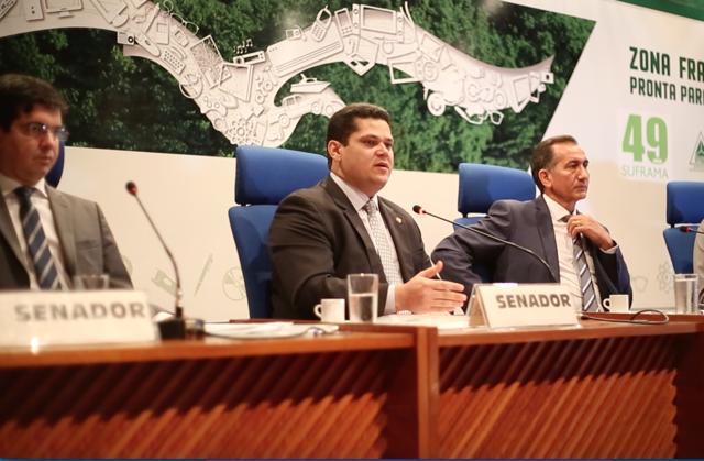 Senador Davi Alcolumbre: início do fim da economia do contracheque. Foto: Ascom/AM