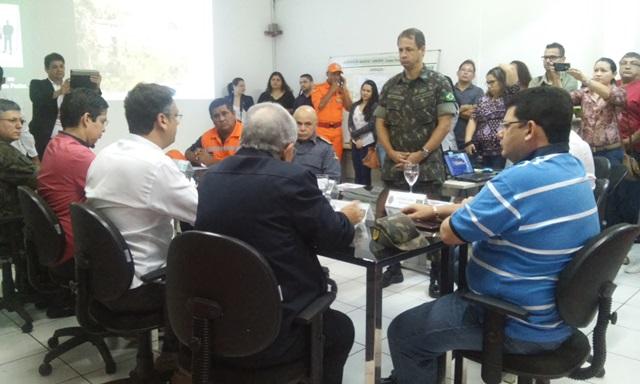 Reunião entre Exército e representantes do governo e prefeitura: etapas. Fotos: Cássia Lima