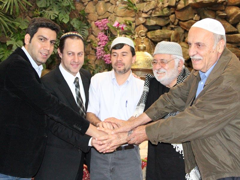 Aproximação com comunidade muçulmana: 35 famílias apoiadas por casa de oração