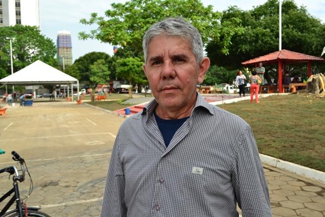 """Carlos Madeira, 57 anos, engenheiro civil """"Falta mais consciência da população quanto aos seus deveres. Tem lugares, como praças por exemplo, que as pessoas usam como sanitário. É claro que não é a maioria, mas uma minoria que não tem consciência"""""""