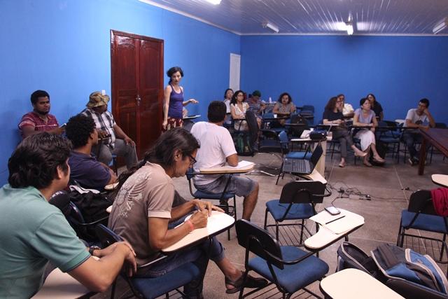 Uma das oficinas para aprimorar os conhecimentos sobre projetos. Fotos: Manoel do Vale
