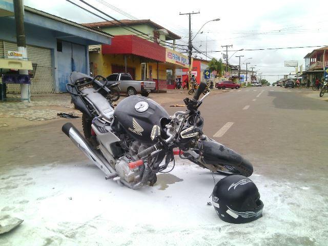 Condutor da moto preta ficou gravemente ferido