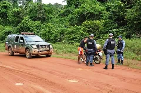 Motos estavam circulando em 3 comunidades. Fotos cedidas pela PM