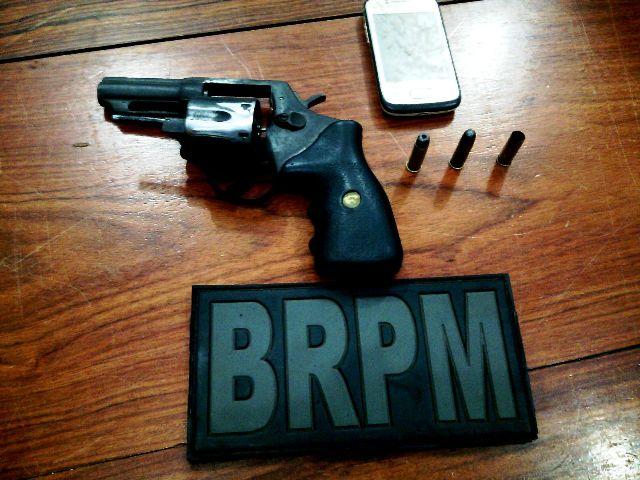 Arma apreendida pelo BRPM. Fotos: Olho de Boto