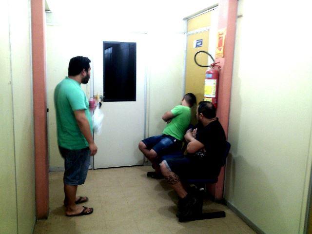 Alguns dos acusados presos. Fotos: Olho de Boto