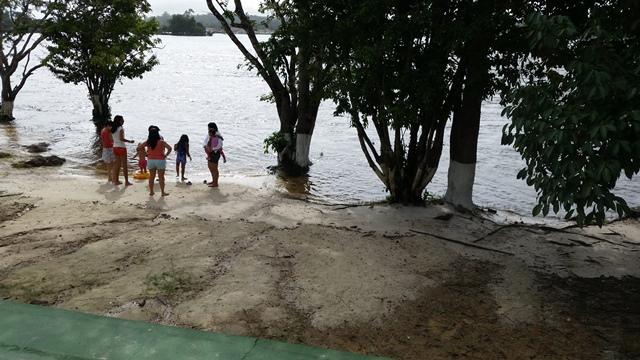 """Fieis da igreja às margens do Araguari: """"a natureza fala"""""""
