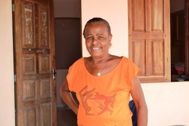 Dona Renilda era a dona do bote usado por várias pessoas para saírem de casa. Fotos: André SIlva