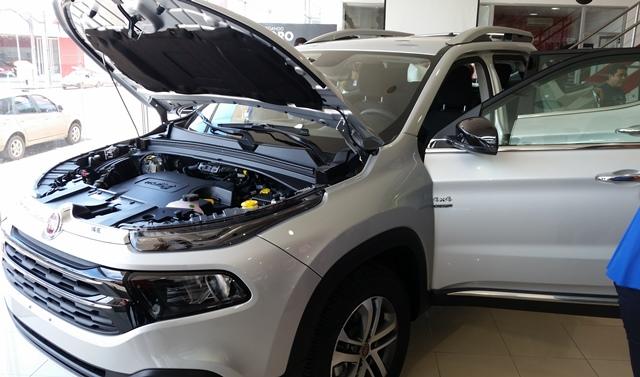 Motor forte numa carroceria leve: economia e desempenho. Fotos: Seles Nafes