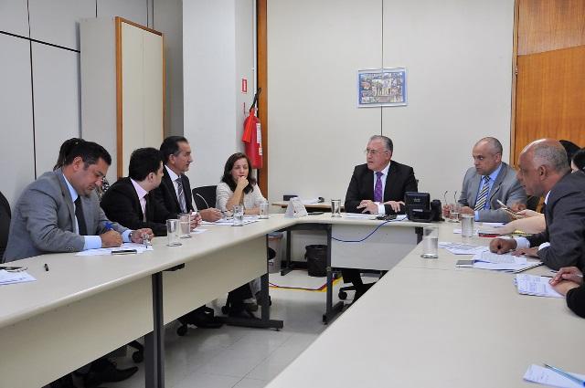 Waldez foi acompanhado pelos deputados Vinícius Gurgel (PR) e Marcivânia Flexa (PT)