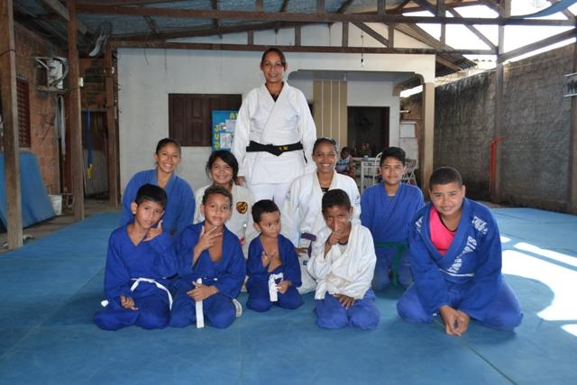 Academia treina 100 crianças que não precisam pagar mensalidades. Fotos: André Silva