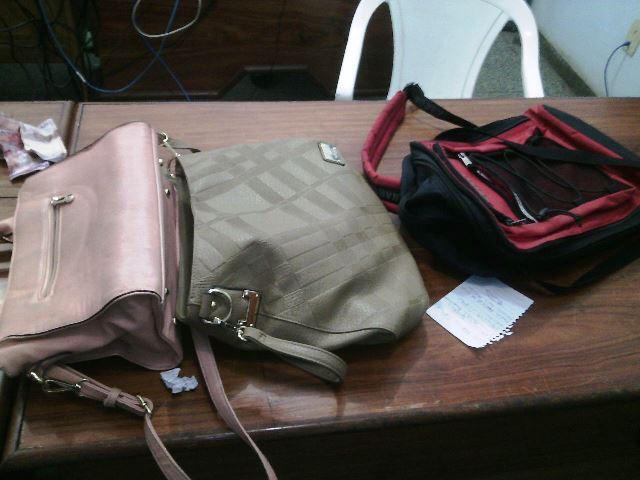 Bolsas e outros objetos foram recuperados