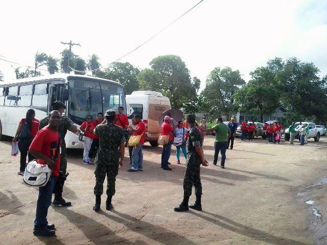 Equipes mobilizadas em frente ao conjunto da Embrapa. Fotos: Manoel do Vale