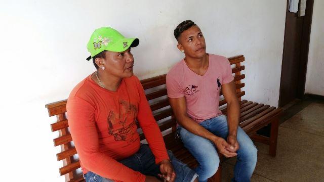 Da camisa lilás, Nadson, que já tinha sido reprovado 2 vezes. Ao lado dele Valdeir, que ia fazer o pagamento