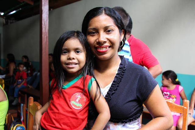 Luziane e Raysa: bem atendidos. Fotos: Saulo Silva