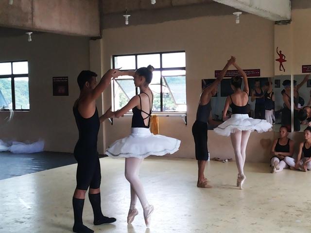 Cia Kadoshi é formada por bailarinos de igrejas evangélicas