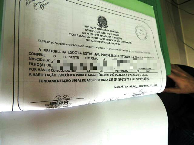 Certificado supostamente emitido pela Escola Esther Virgolino. Fotos: Humberto Baía