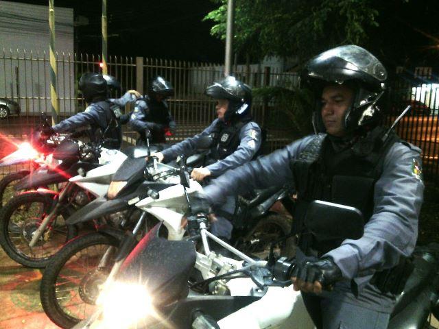 Equipe da Patam usa motos no patrulhamento de áreas perigosas e de difícil acesso