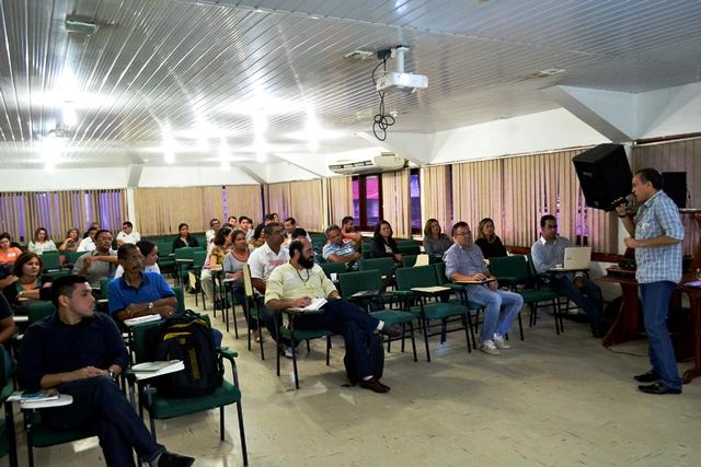 Encontro reuniu representantes dos municípios que precisam assumir atribuições