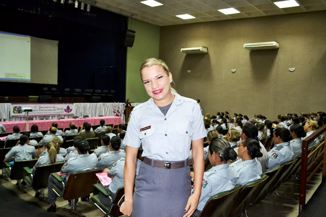 Soldado Andreia: tripla jornada como policial, estudante e dona de casa