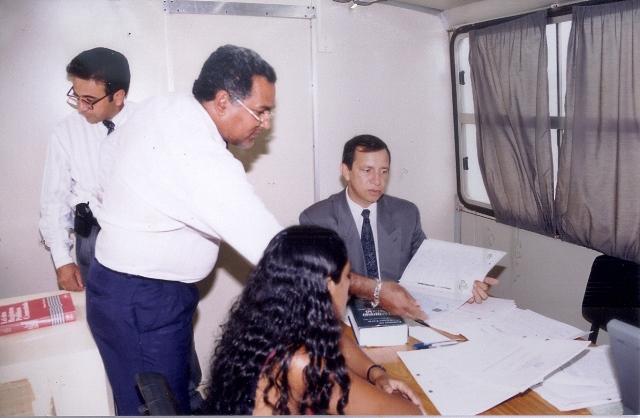 Então presidente do TJAP, desembargador Gilberto Pinheiro, faz atendimento na Jornada Terrestre