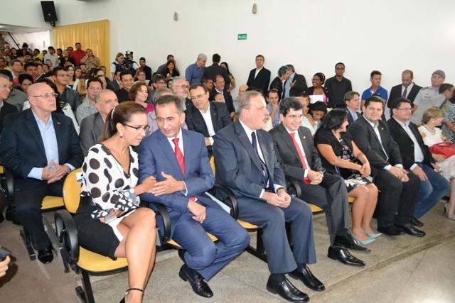 Palestras e debates ocorrerão durante o dia inteiro no auditório do Sesi
