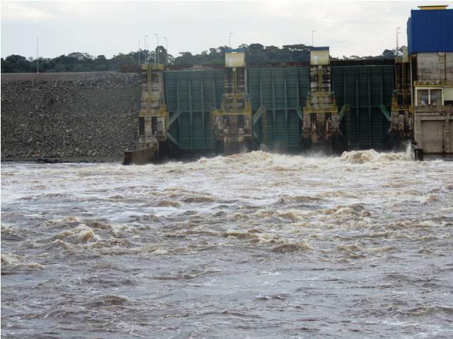 Hidrelétrica Ferreira Gomes abriu as comportas devido a cheia do rio