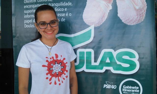 A fisioterapeuta Natasha Vilhena é uma das cinco doulas que atuam em Macapá