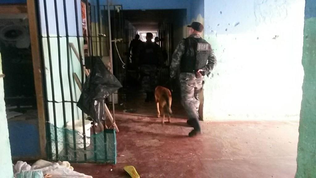"""defesa diz que dentro do """"Cadeião"""" os três presos serão assediados"""