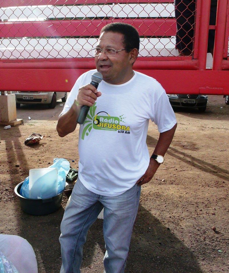 Humberto Moreira durante transmissāo de jogo no Estádio Glicério Masques
