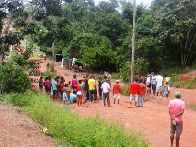 Cerca de 10 famílias estão no local. Fotos: Leonardo Melo