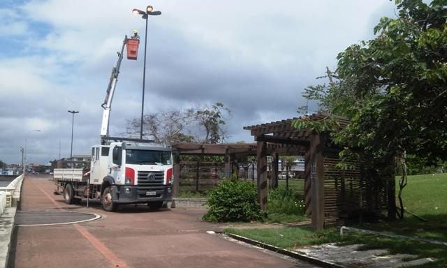 Trabalho de manutenção na iluminação pública começou nessa segunda (25)